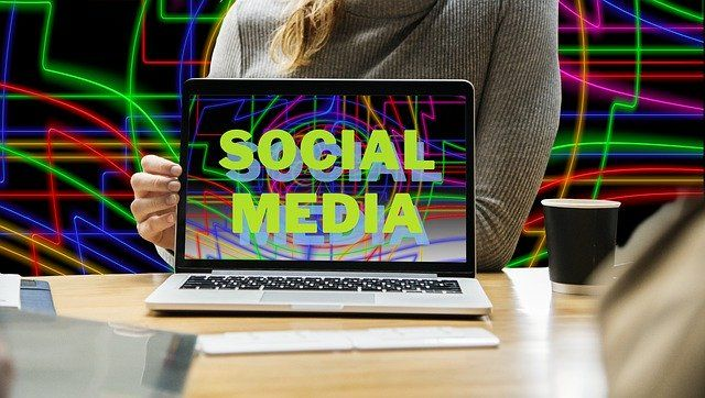 komunikacja media internetowe