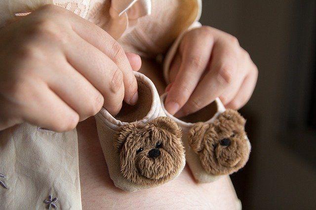 zagrożenie dla noworodka koronawirusem