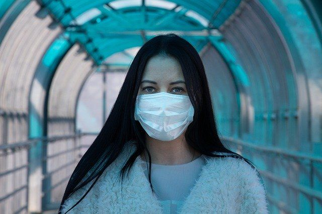 raport naukowy o koronawirusie
