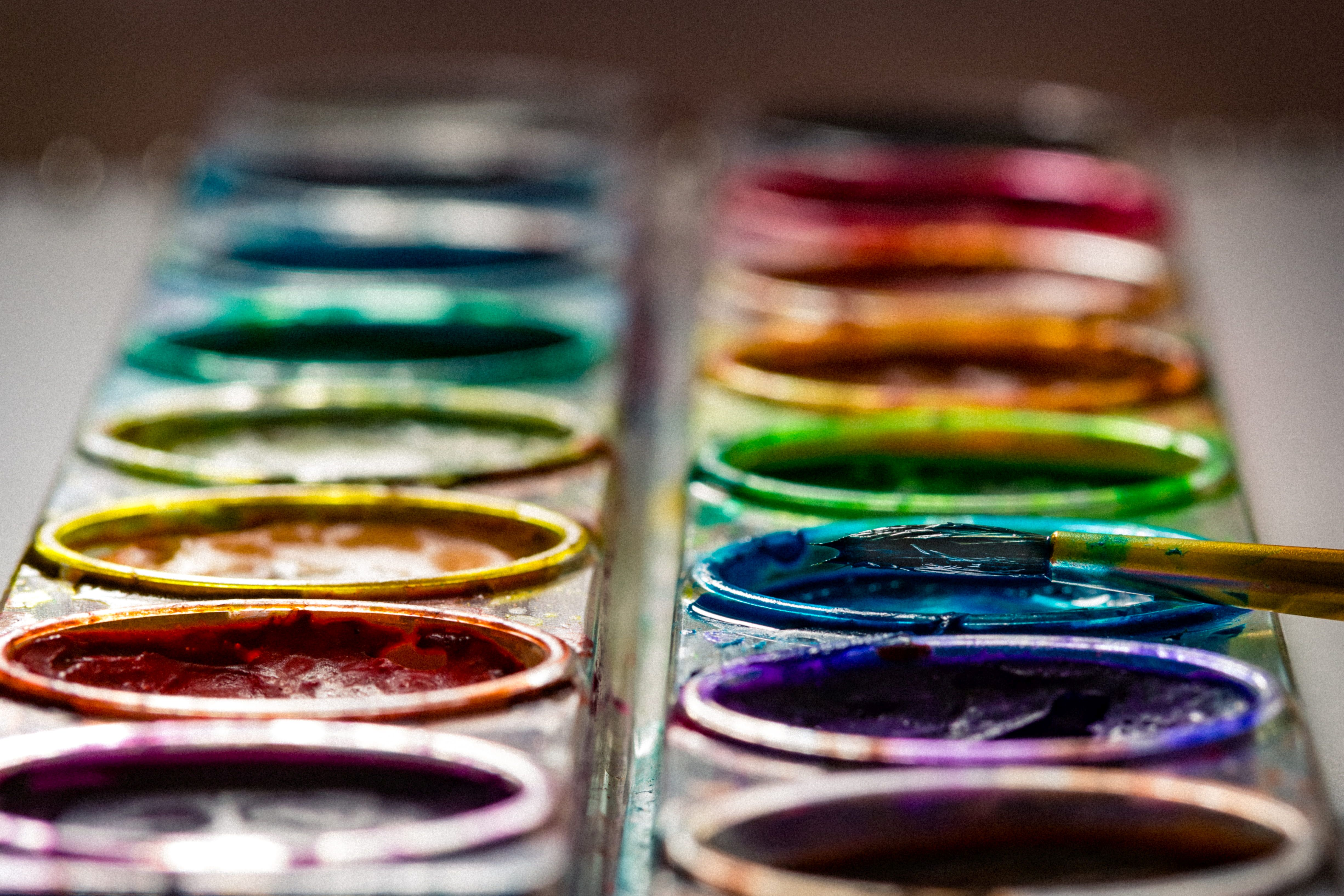 wpływ kolorów na nastrój