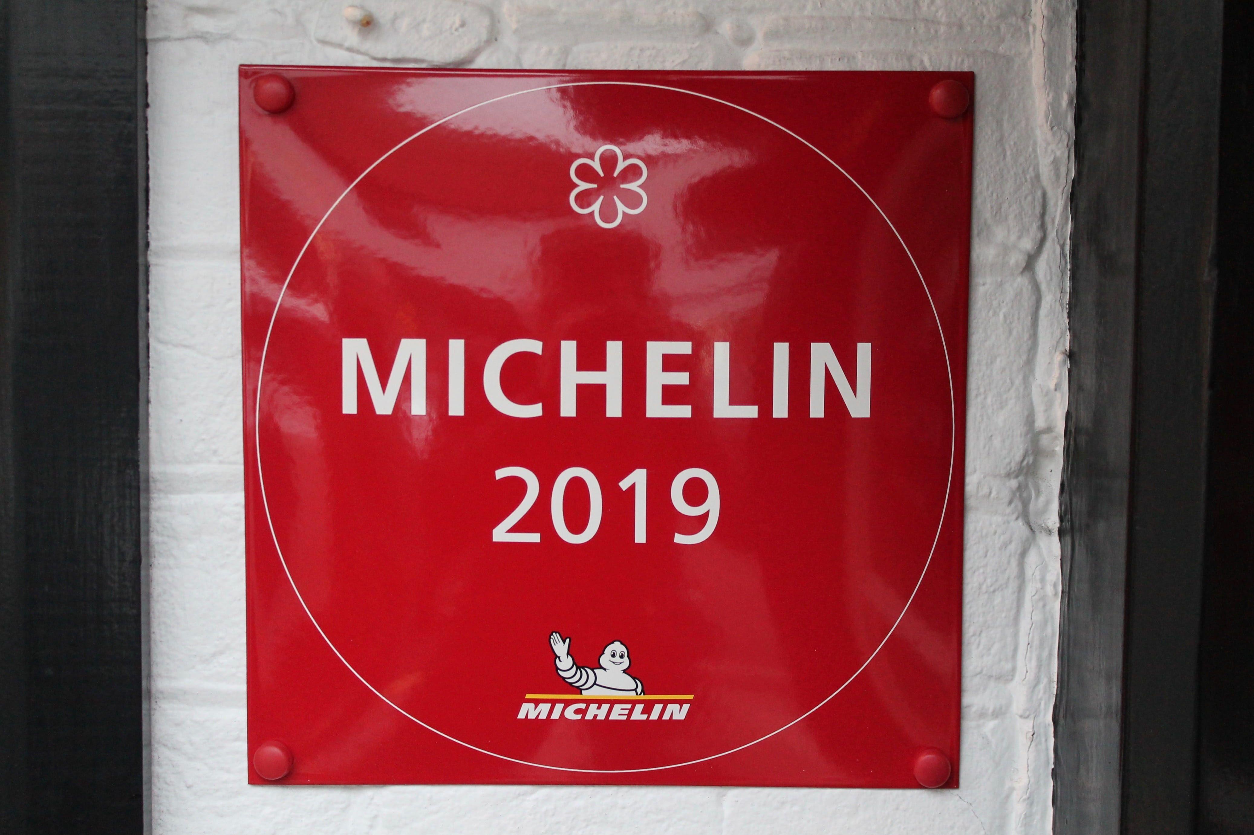 co oznaczają gwiazdki Michelin